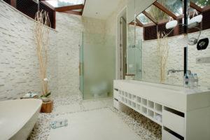 Amarilys's Bathroom2