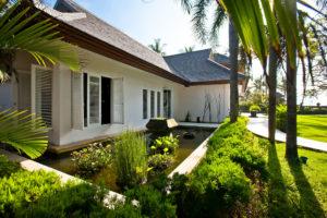 house_outside_9